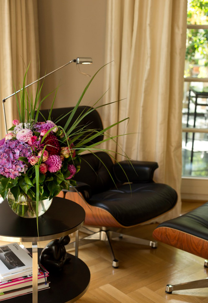 Plankontur Sitzgelegenheit in einer Villa