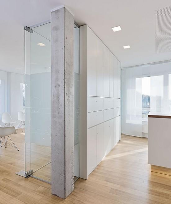 Innenarchitektur-minimalistisch-natuerliche_Materialien-Praxis-Schuett_Herbst